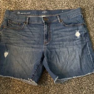 Ann Taylor LOFT Denim Shorts size 8 Distressed